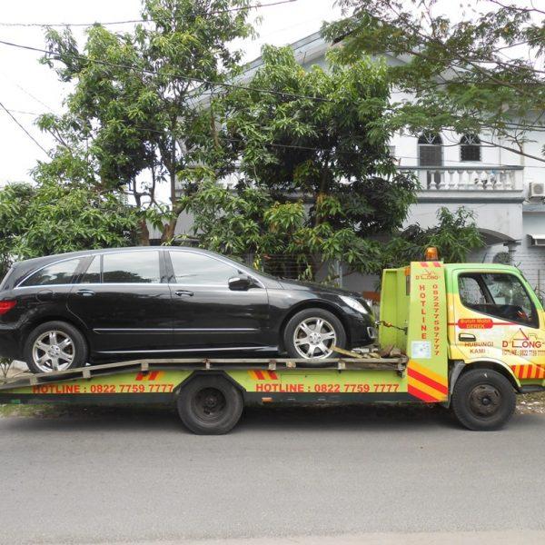 Membawa Mobil