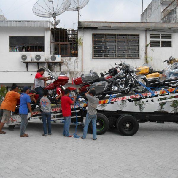 Membawa Motor di Medan