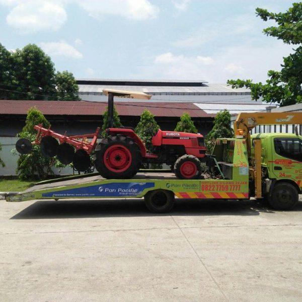 Derek Tractor